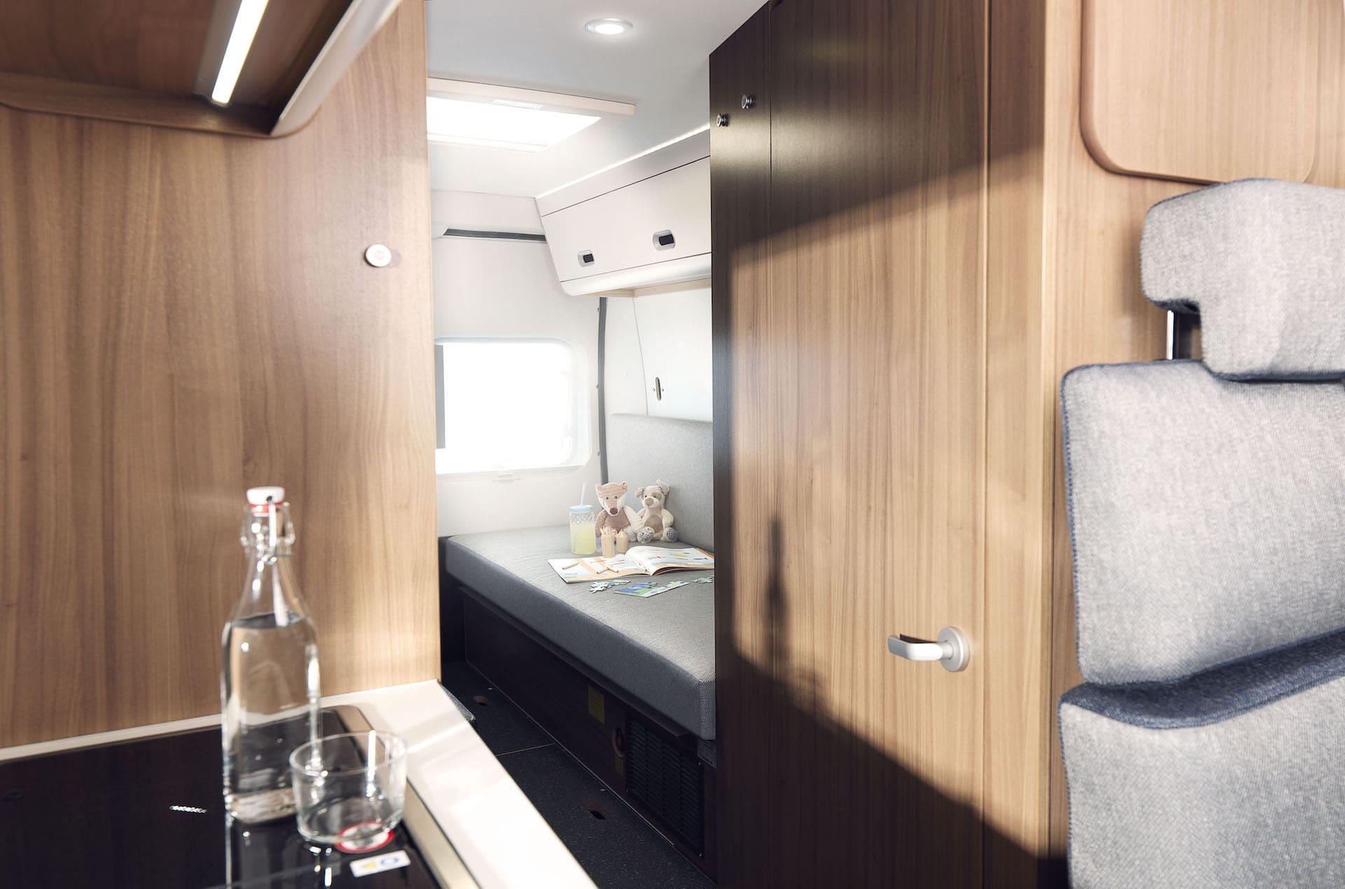 Blick in den Wohnbereich eines Reisemobils